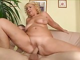 Mature busty blonde fucks with artisan